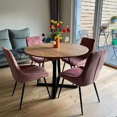 Mūsų klientai dalinasi nuotraukomis su mūsų baldais! 😍 Šį kartą tai kėdės - TOSCA❤️🌻 #accantobaldai #baldai #kedes #interjeras #interjeroidejos #interjerodetales #namai #idejosnamams #ikvepimas #spalvos #rožinė #jaukumas #jaukusnamai #stilius #stilinginamai #dizainas #valgomasis #valgomojobaldai