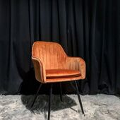 Nauja spalva! Tokia nuostabi❤️🥰🤗#accantobaldai #baldai #krėsliukas #valgomasis #kėdė #oranžinė #baldusalonas #spalva #nereali #namams #idejosnamams #namai #namustilius #dizainas #jaukiemsnamams #jaukumas #ogmiosmiestas #minijosbalducentras #niccentras #baldaiinternetu